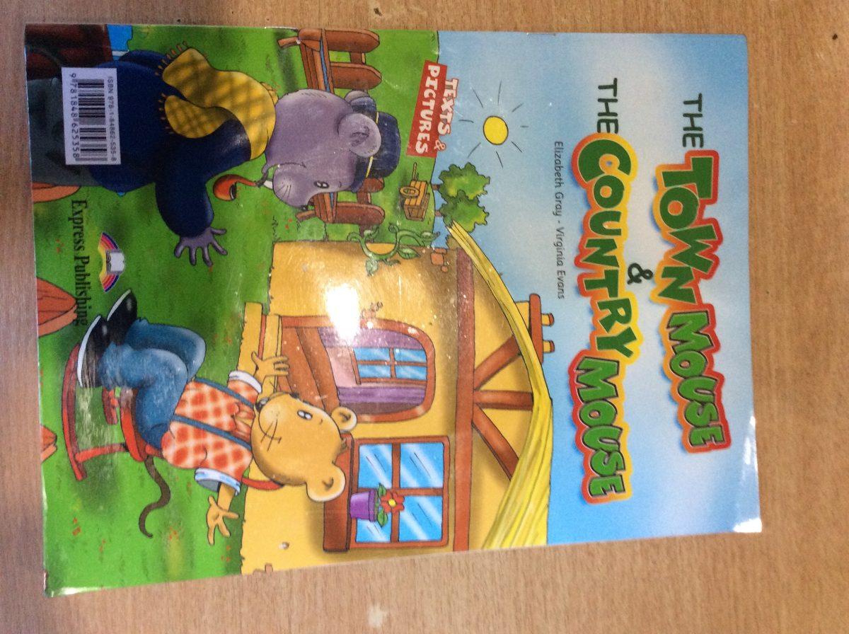 Libro The Town Mouse Country Usado 6000 En And Cargando Zoom