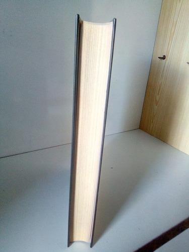 libros usados, varios títulos y géneros en remate