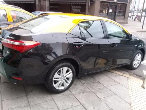 licencia taxi 2011 $70000 financio el total