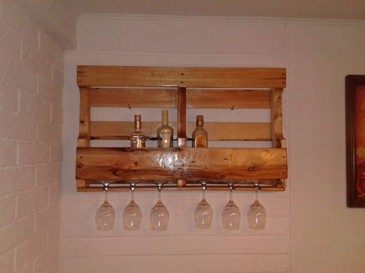 Licorera de pallet bar de pallet mueble de pallet for Muebles para resto bar