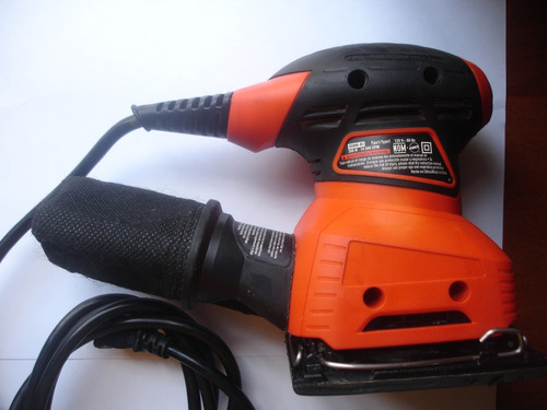 lijadora 1/4 hoja profesional de 200w marca black and decker