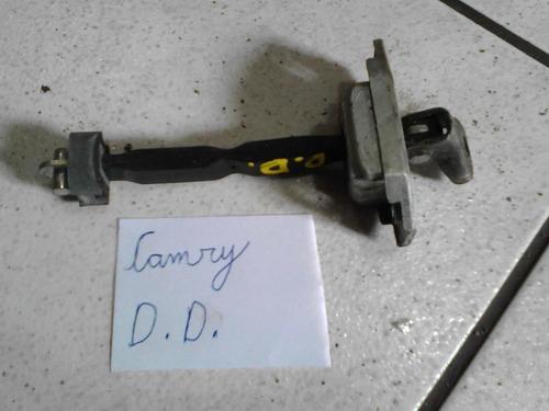 limitador da porta d/ d/ camry 2009