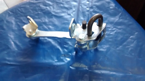 limitador da porta dianteira idea 06/-  esq/dir