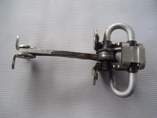limitador traseiro esquerdo fiat idea 2011 / 2012