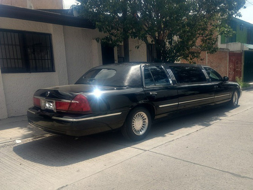 limosina ford grand marquis