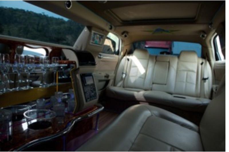 limousine chrysler 300c  2006