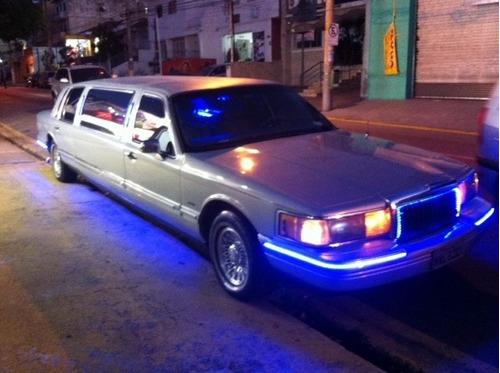 limousine ford town car americana v.8
