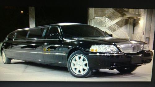 limousine lincoln town car última geração!!