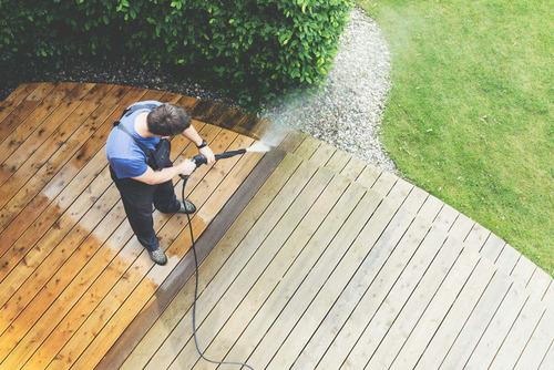 limpieza a presión de pisos, terrazas, patios, etc.