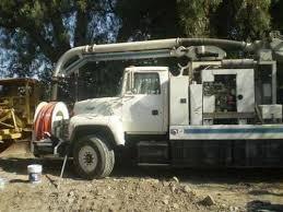 limpieza con camiones vacuum jet.