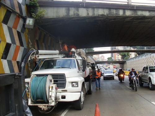 limpieza de alcantarillas, pozos septicos con camion vactor