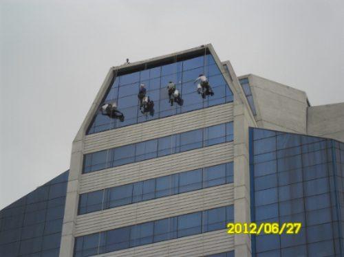 limpieza de fachadas a rapel,vidrios,concreto,pintura, otros