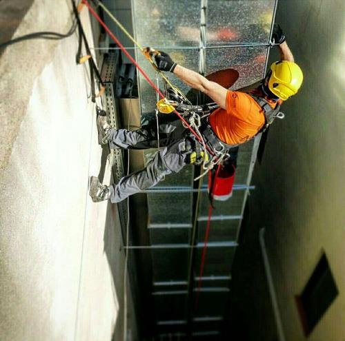 limpieza de fachadas de vidrio o de concreto,tanques y silos