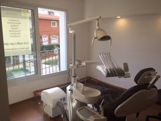 limpieza para pacientes con brackets. dentista. ortodoncia