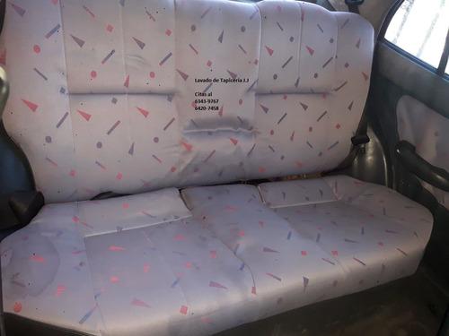 limpieza profunda de asientos de sedan