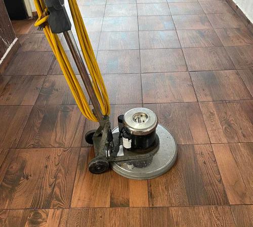 limpieza y pulido de pisos
