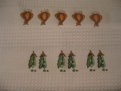 limpiones bordados en  punto de cruz, diferentes estilos