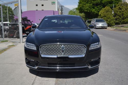lincoln continental reserve awd 2018