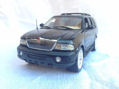 lincoln navigator 1999 auto art 1/18