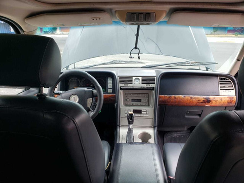 lincoln navigator autos