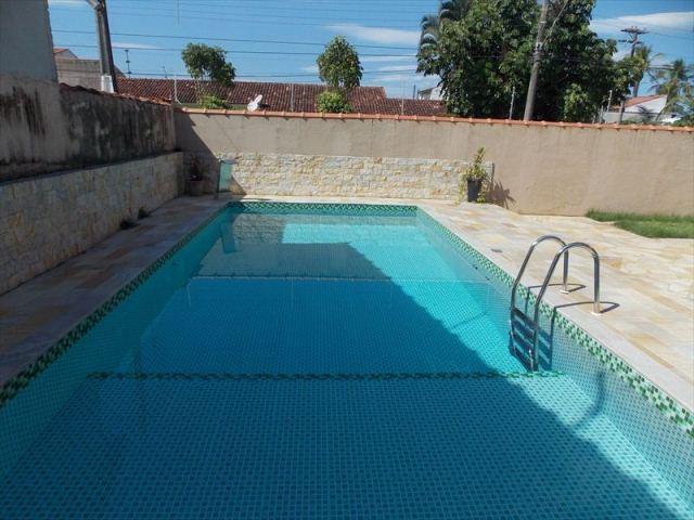 lind0 sobrado com piscina no bairro belmira novaes em peruíb