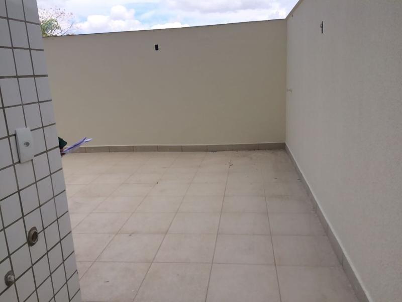 linda área privativa de 2 quartos com suite no ouro preto. - 975
