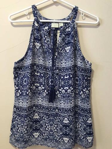 linda blusa americana talla m, color azul con estampado