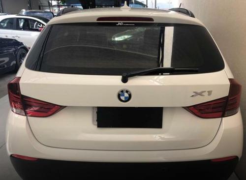 linda bmw x1 2.0 16v 2012 top branca (interior caramelo)