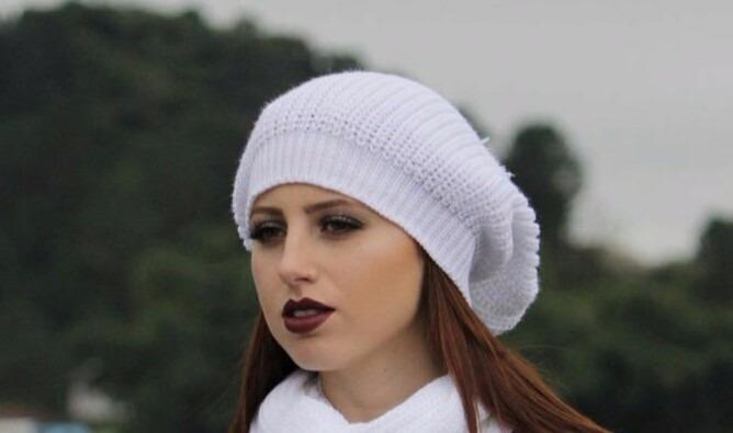 6d49817a6a920 Linda Boina Trança Gorro Beanie Touca Feminina Várias Cores - R  18 ...