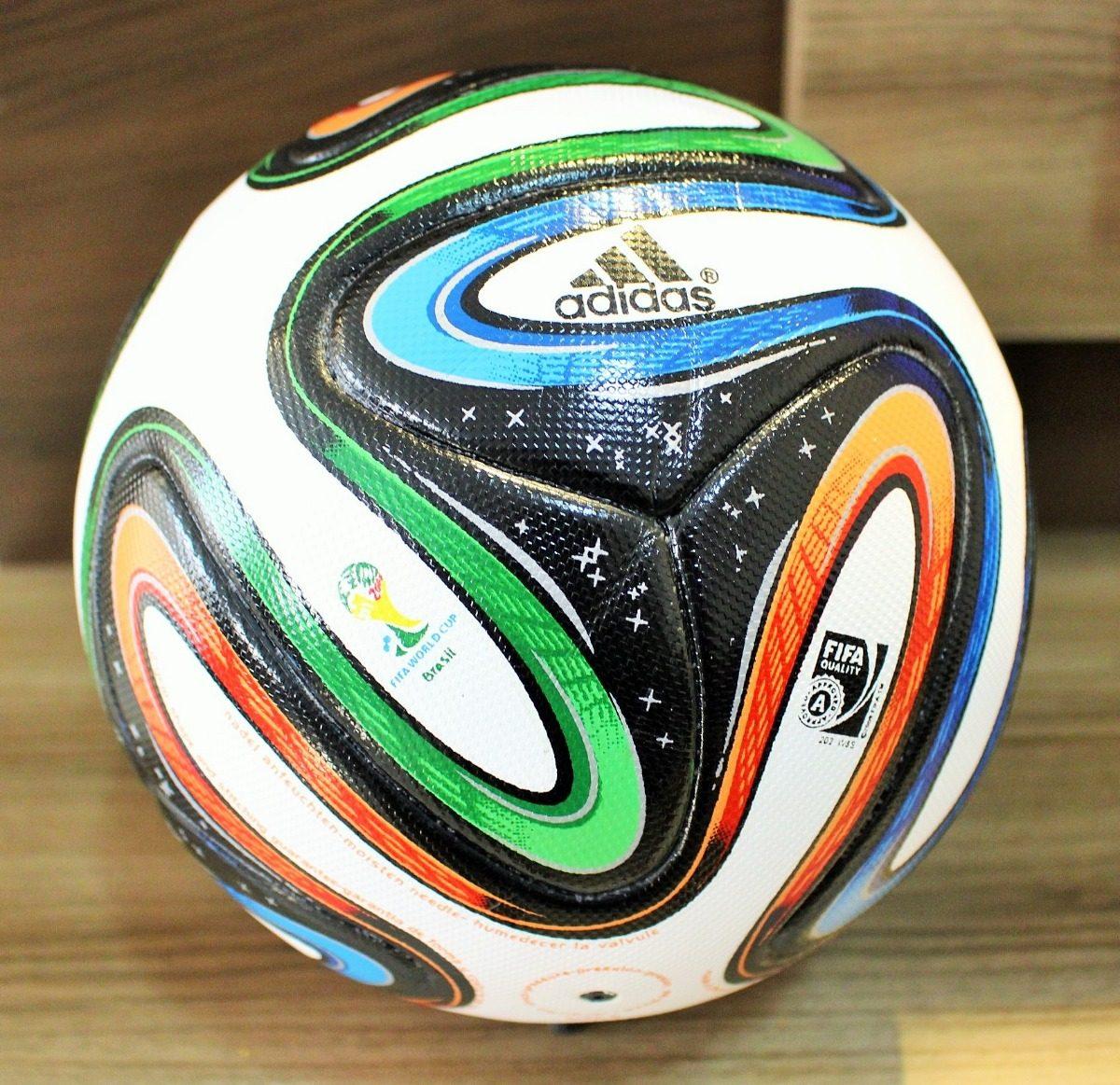 a6b4b43e1f linda bola adidas brazuca sem a logo play station. Carregando zoom.