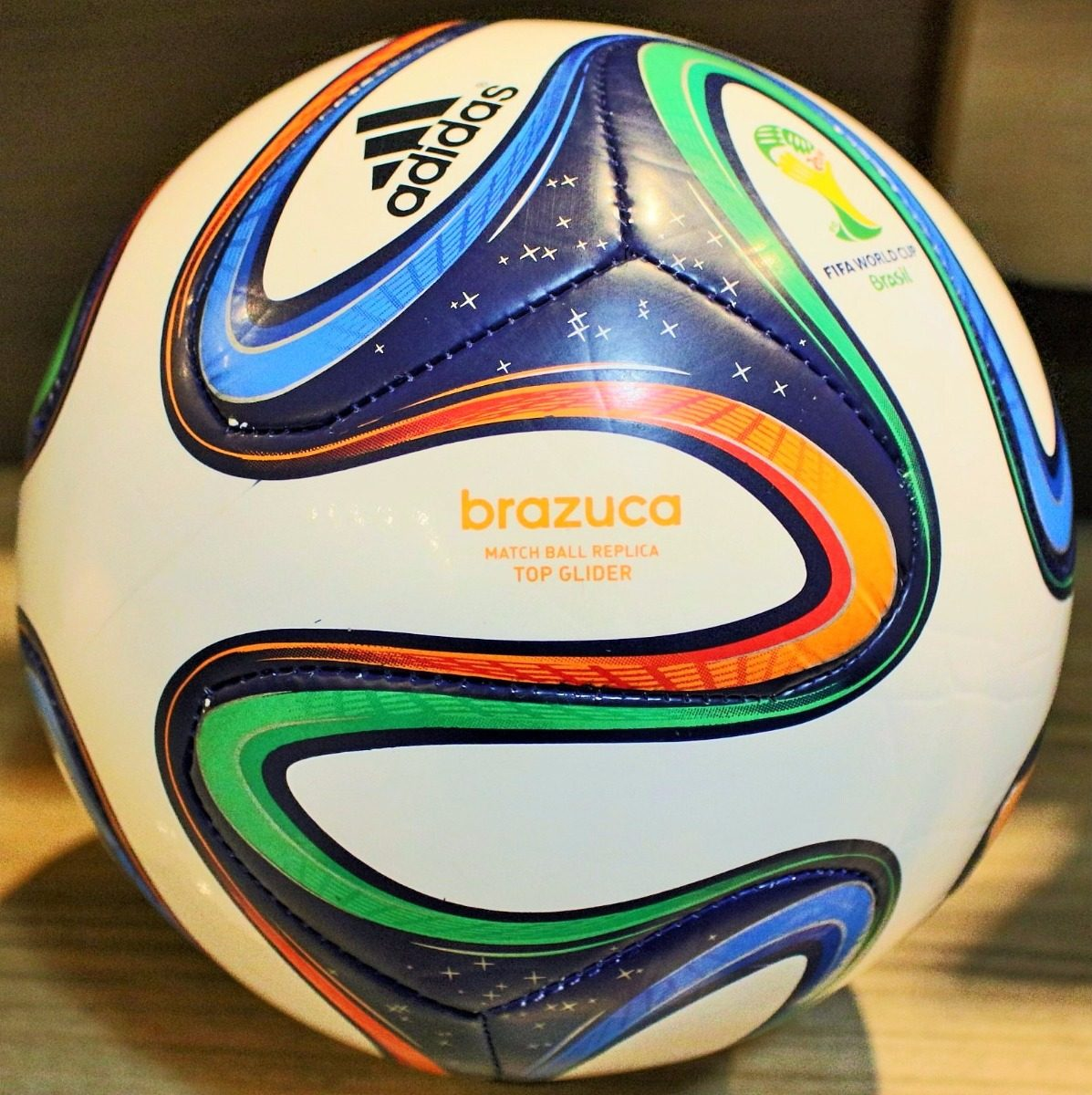 linda bola original adidas brazuca sem a logo play station. Carregando zoom. d598d03bd2c43
