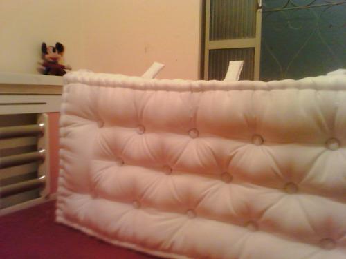 linda cabeceira em futon turco