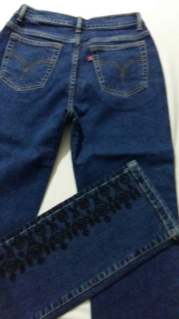 6e9226cf0 Linda Calça Forum Jeans Bordada,36,elastano,baratinho!!!! - R$ 48,90 ...