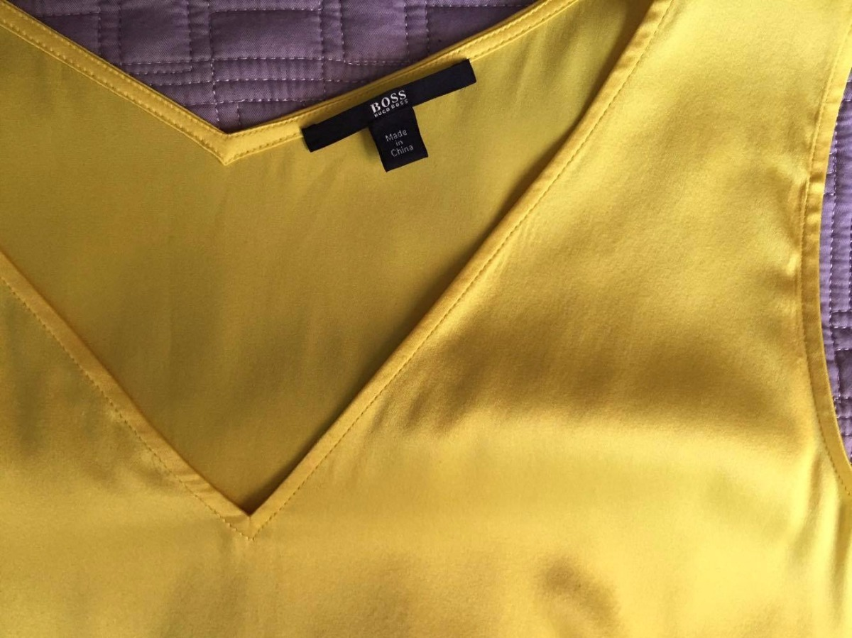 d0b3aec29e linda camiseta de seda hugo boss original. Carregando zoom.