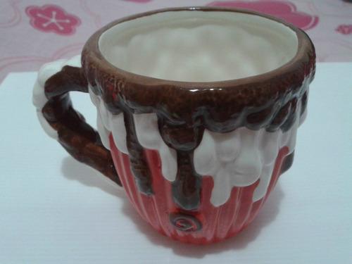 linda caneca para chocolate quente