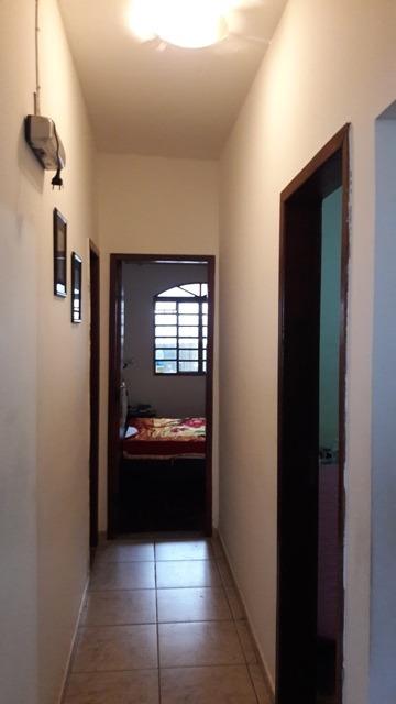 linda casa 03 quartos plana no estilo colonia com 200 m2 no bairro santa mônica. - gar9355