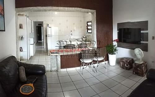 linda casa 2 dormitórios com suíte maracanã
