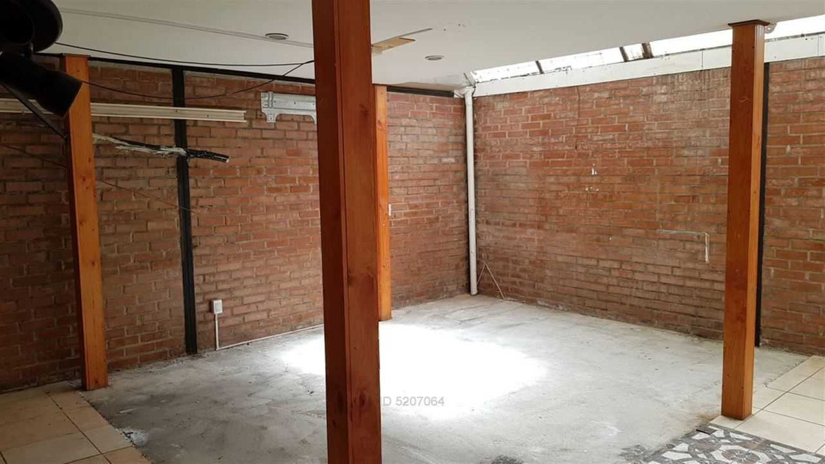 linda casa 2 pisos en sector residencial