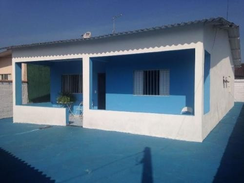 linda casa, 3 quartos, lado praia, precisando vender logo!