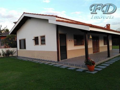linda casa a venda em condomínio em bom jesus dos perdões