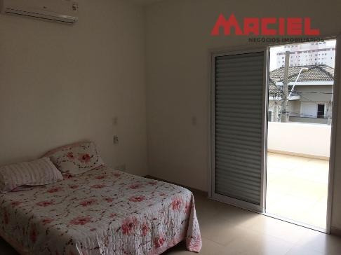 linda casa a venda em condomínio fechado