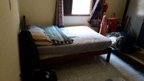 linda casa com 2 dormitórios, lado praia, itanhaém-sp