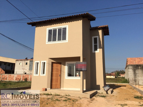 linda casa com 2 quartos, cozinha, sala, banheiro e área!!