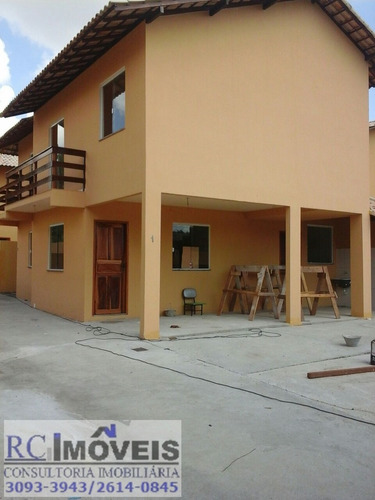 linda casa com 2 quartos, cozinha, sala e banheiro e garagem