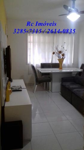 linda casa com 2 quartos, cozinha, sala e banheiro e varanda