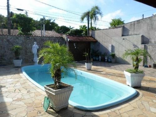 linda casa com 2 quartos e piscina, itanhaém-sp, confira!!!