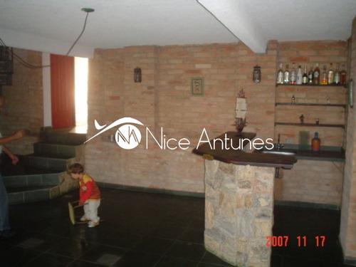 linda casa com 2 suites 1 quarto de empregada sala de lareira sala de tv , ótima para o laser. - na11752