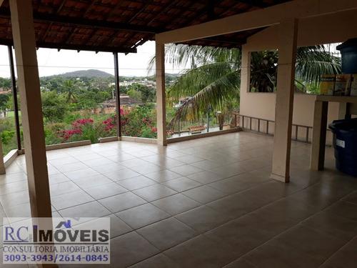 linda casa com 4 quartos, 2 suítes,piscina, churrasqueira!!