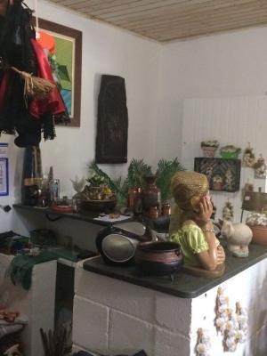 linda casa com comércio no umuarama 1026