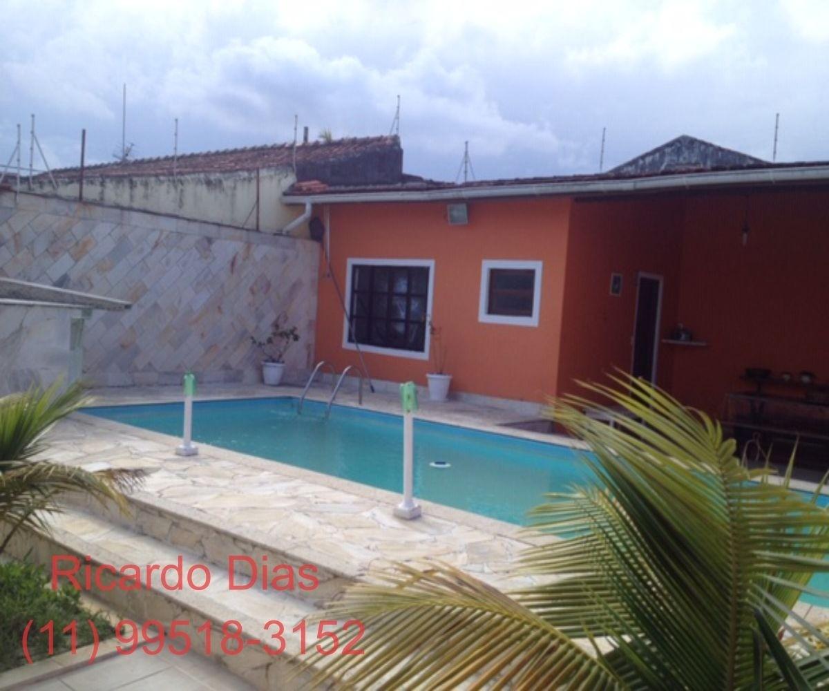 linda casa com piscina ,cibrate itanhaem